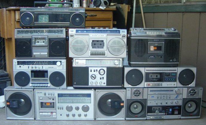 radiograbadores a cassetes - La evolución de la música se vive en streaming