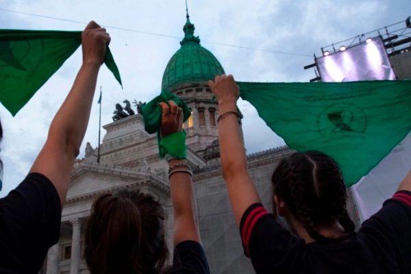Los próximos pasos para que la ley del Aborto legal entre en vigencia