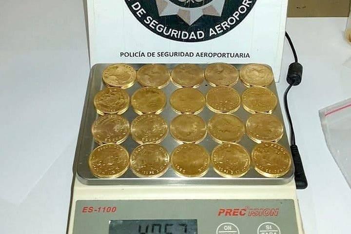 Viajaba a Mendoza con 107 monedas de oro que valen $ 23 millones
