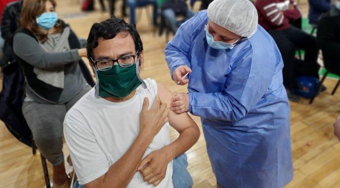 Insólito | Se vacunó 5 veces contra el Covid y lo descubrieron cuando intentaba volver a vacunarse